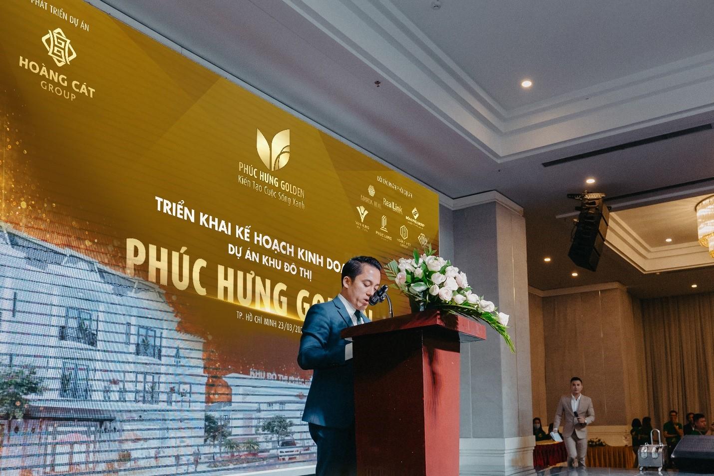 Ông Nguyễn Quang Vinh, TGĐ Công ty CP Tập đoàn Địa ốc Hoàng Việt đại diện các đơn vị phân phối phát biểu tại sự kiện